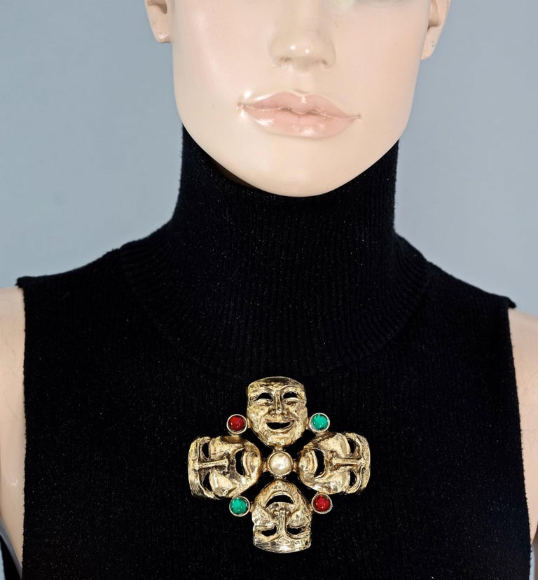 Vintage MOSCHINO Comedy Tragedy Mask Jewelled Novelty Brooch For Sale 2
