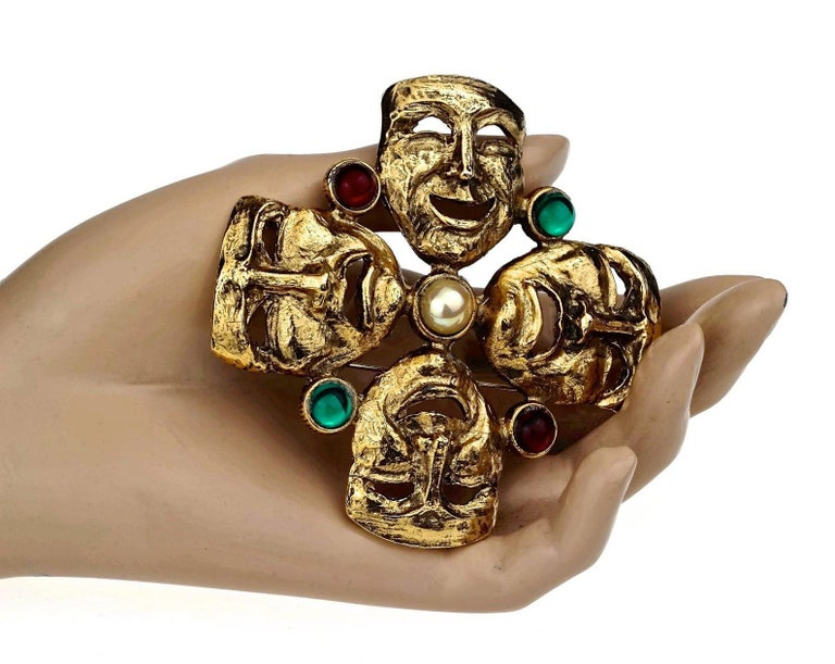 Vintage MOSCHINO Comedy Tragedy Mask Jewelled Novelty Brooch For Sale 3