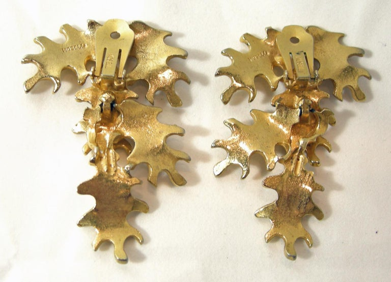 Vintage Mosell Leaf Dangling Earrings In Good Condition For Sale In New York, NY