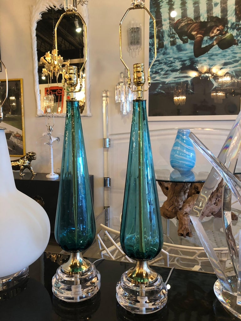 Vintage Murano Aqua Blue Glass Brass Lucite Table Lamp a Pair For Sale 6