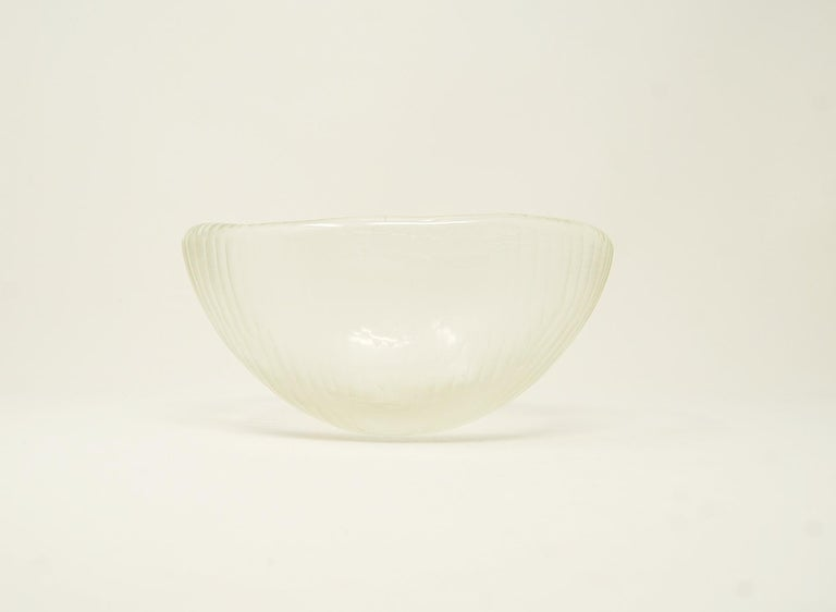 Vintage Murano art glass bowl with Battuto surface, circa 1960. Polished pontil. Unsigned