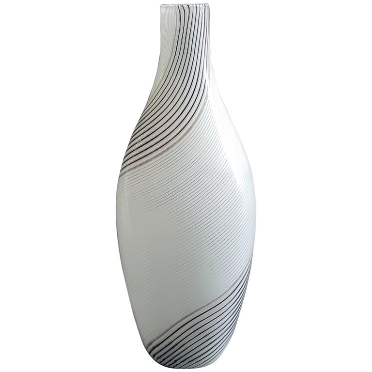 """Vase model """"5357"""" by Italian Murano designers Dino Martens and Aureliano Toso.  Vintage and rare vase with re-twisted pipes, aventurine and amethyst, handle applied with vitreous paste and gold.  Bibliography:  - Marc Heiremans, Dino Martens,"""