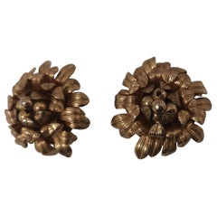 Vintage Napier gold tone flower clip on earrings