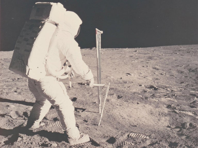 Vintage NASA Photograph of the Apollo 11 Moon Landing In Excellent Condition For Sale In New York, NY