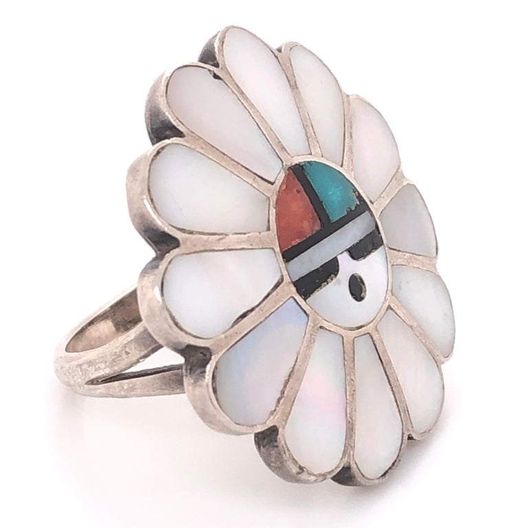 Stunning and highly desirable Vintage Native American HOPI Headdress Sterling Silver Ring, Head inlaid with Mother of Pearl, Coral, Turquoise and Onyx. Measuring approx. 1