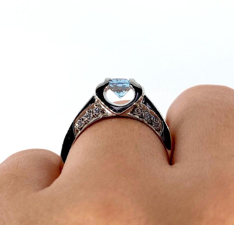 Vintage Natural 1.67ct Oval Aquamarine and Diamond Platinum Ring For Sale 5
