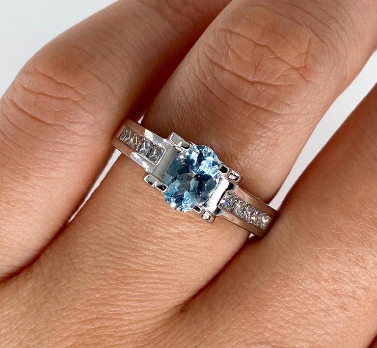 Vintage Natural 1.67ct Oval Aquamarine and Diamond Platinum Ring For Sale 6