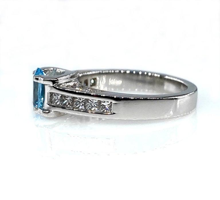 Vintage Natural 1.67ct Oval Aquamarine and Diamond Platinum Ring For Sale 7