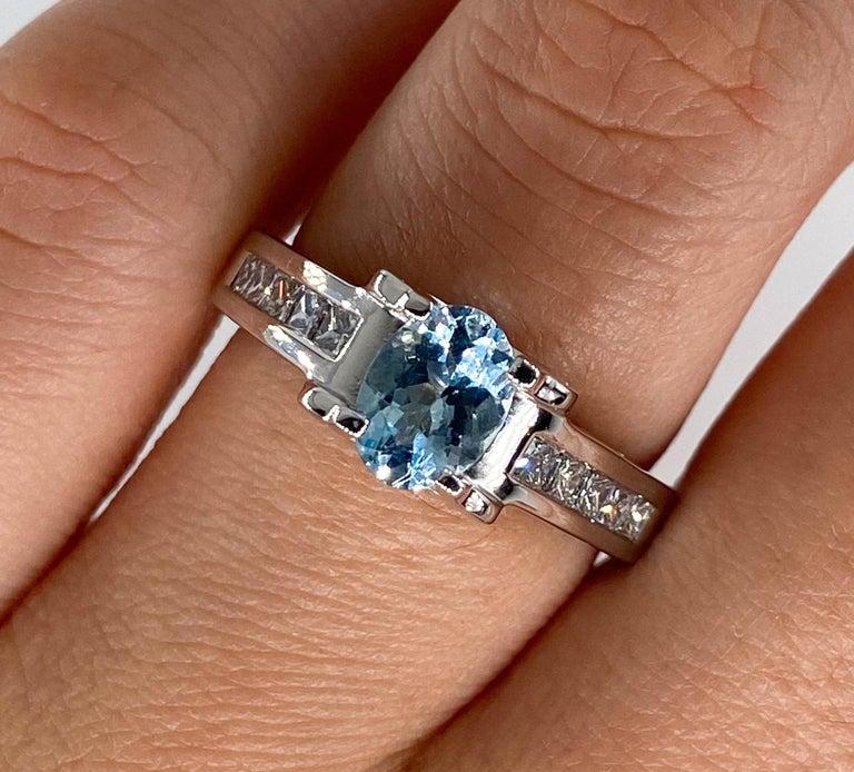 Vintage Natural 1.67ct Oval Aquamarine and Diamond Platinum Ring For Sale 8