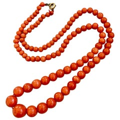 Vintage Natural Coral Graduated Bead Necklace