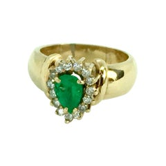 Vintage Natural Emerald and Diamonds Ring 18 Karat