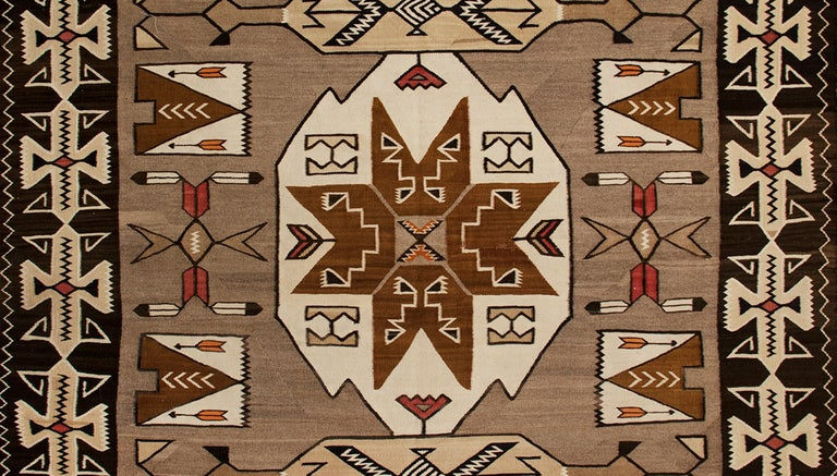 Vintage Navajo Pictorial Area Rug, Teec Nos Pos Trading Post In Good Condition For Sale In Denver, CO