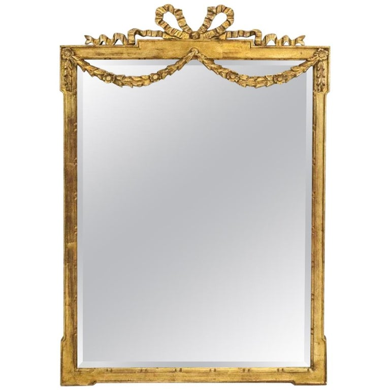 Vintage Neoclassical-Style La Barge USA Giltwood Mirror For Sale