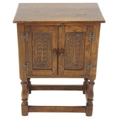 Vintage Nightstand, Carved Oak Hall Table or Lamp Table, Scotland 1930, B2002