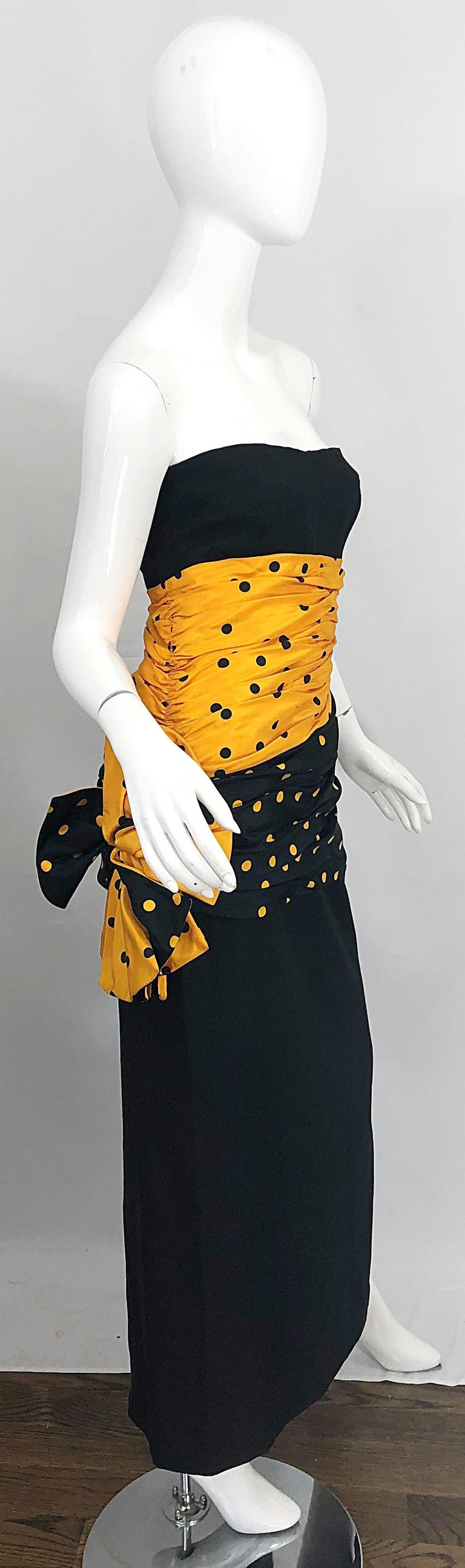 Gorgeous Avant Garde NINA RICCI Haute Couture 1980s / 80s black and marigold polka dot strapless evening gown! Features a unique, yet brilliant fabric blend of Irish linen, rayon and silk taffeta. Interior boning on bodice holds everything in place,