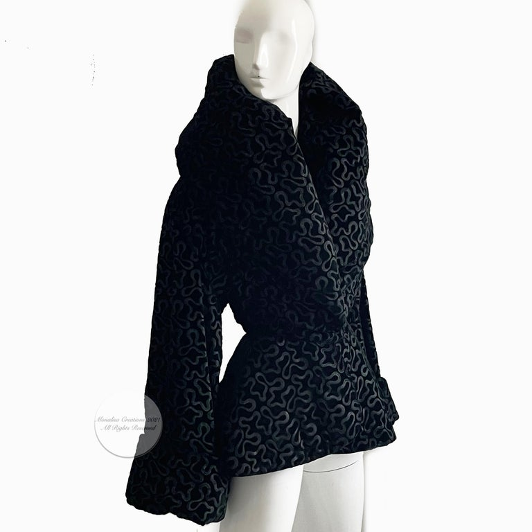 Vintage Norma Kamali Jacket Oversized Shawl Collar Rare Black Velvet Size 6  In Good Condition For Sale In Port Saint Lucie, FL