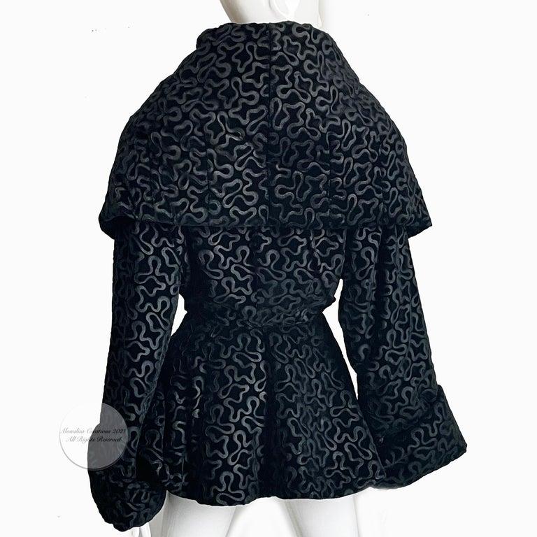 Vintage Norma Kamali Jacket Oversized Shawl Collar Rare Black Velvet Size 6  For Sale 2
