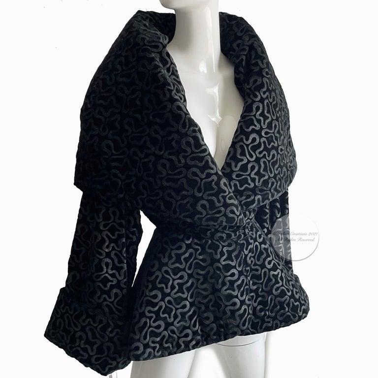 Vintage Norma Kamali Jacket Oversized Shawl Collar Rare Black Velvet Size 6  For Sale 3