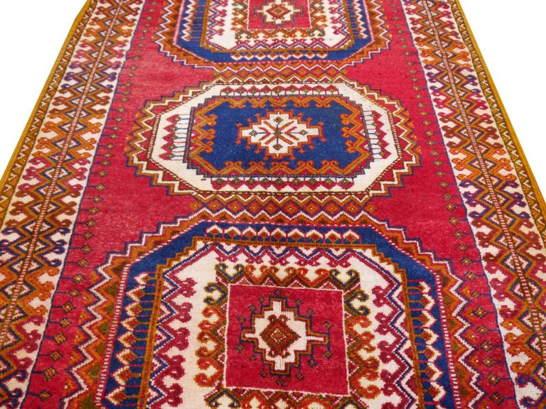Vintage North African Berber Tribal Rug Ait Khozema from Morocco In Good Condition For Sale In Lohr, Bavaria, DE