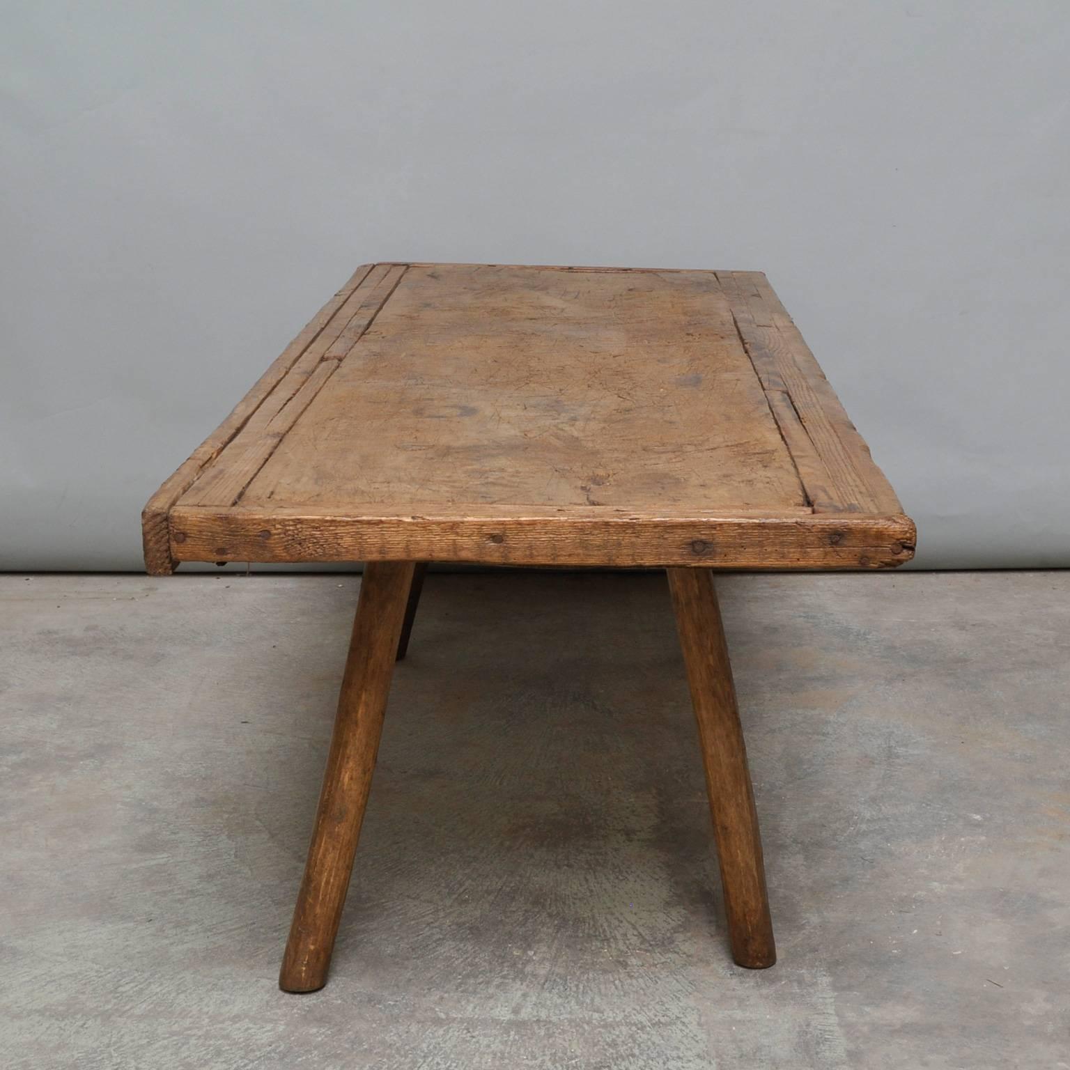 Mid 20th Century Vintage Oak Butcheru0027s Block Coffee Table/Bench, 1930s For  Sale