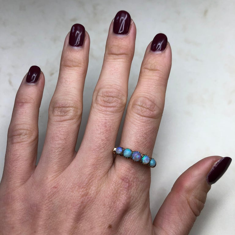 Vintage Opal and 9 Carat Gold Five-Stone Ring For Sale 1