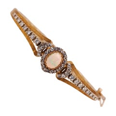 Vintage Opal Diamond Bracelet in 18 Karat Yellow and White Gold, circa 1940s
