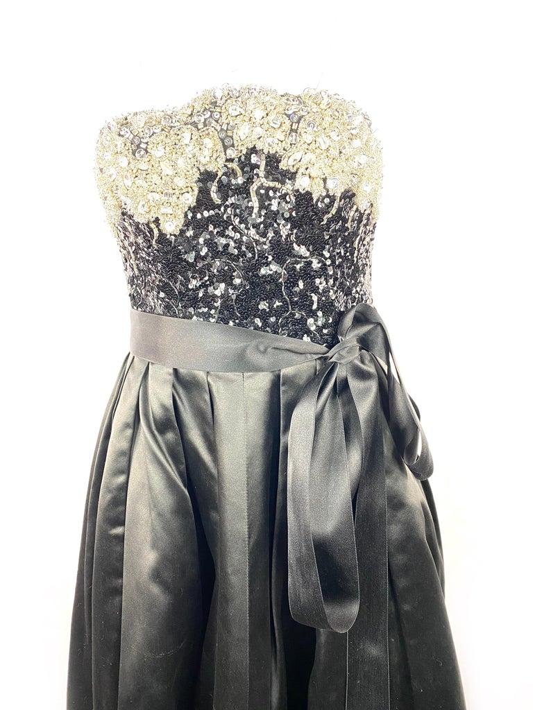 Vintage OSCAR DE LA RENTA Black Silk and Swarovski Maxi Evening Dress Gown  In Excellent Condition For Sale In Beverly Hills, CA