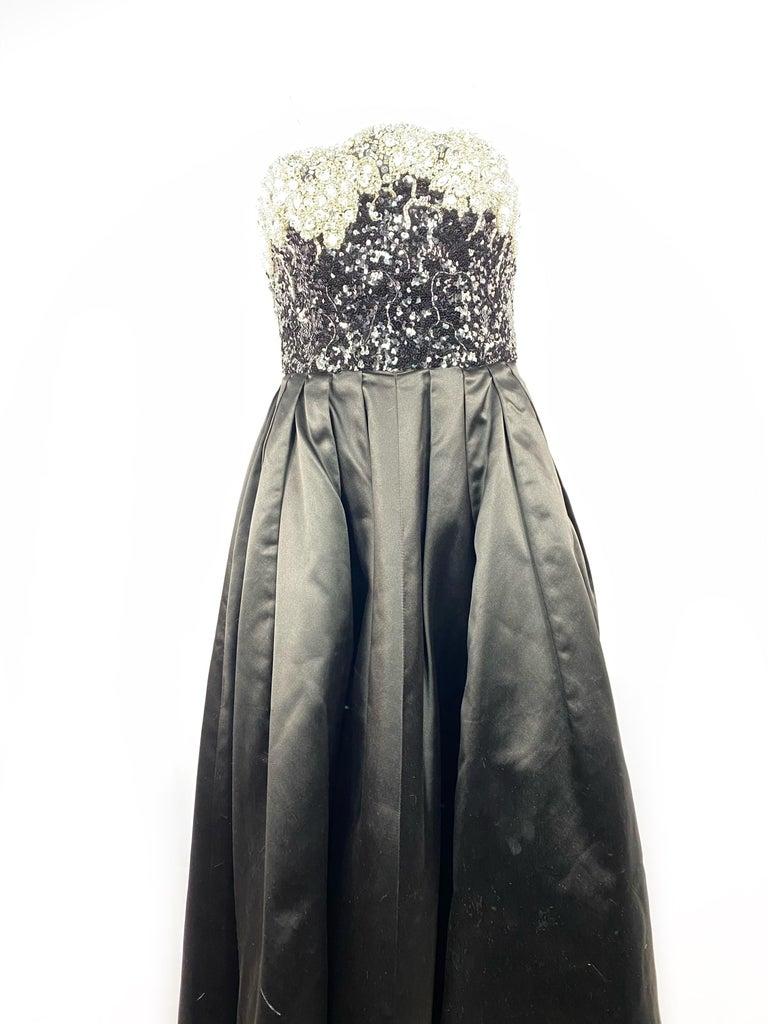 Women's Vintage OSCAR DE LA RENTA Black Silk and Swarovski Maxi Evening Dress Gown  For Sale