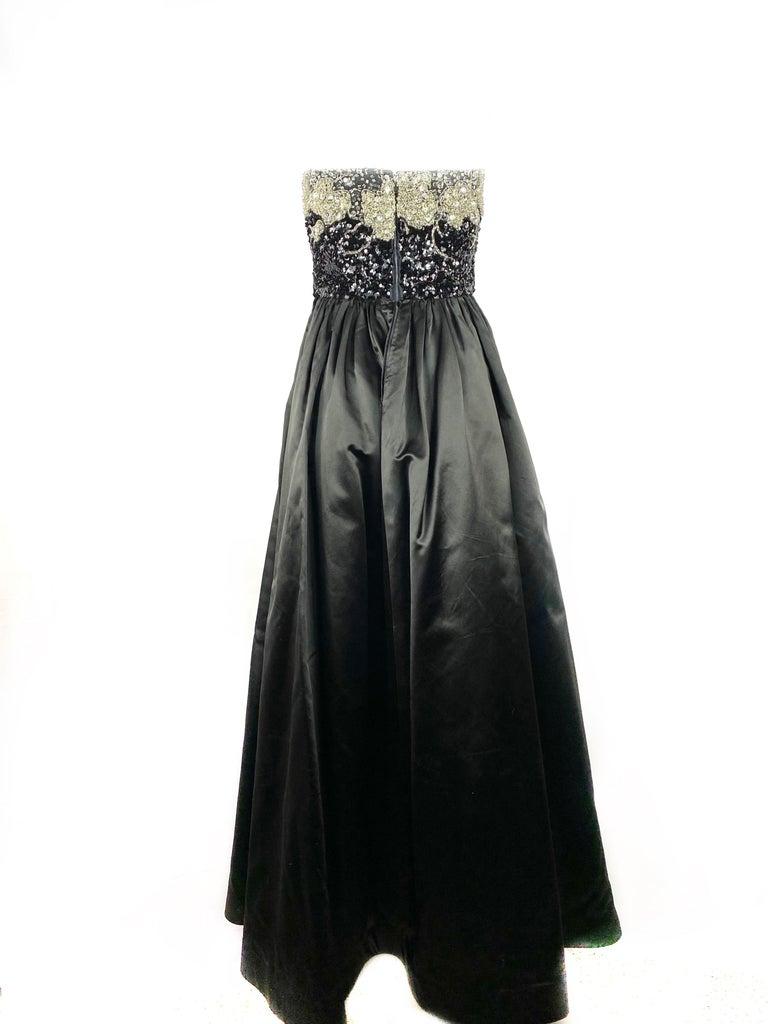Vintage OSCAR DE LA RENTA Black Silk and Swarovski Maxi Evening Dress Gown  For Sale 5