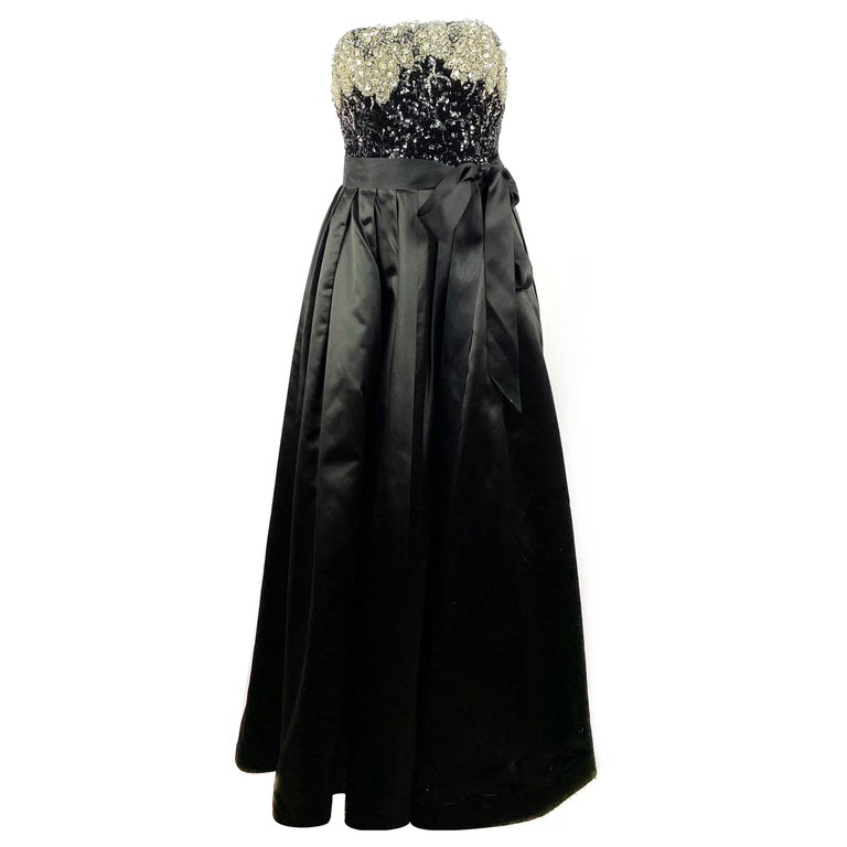 Vintage OSCAR DE LA RENTA Black Silk and Swarovski Maxi Evening Dress Gown  For Sale