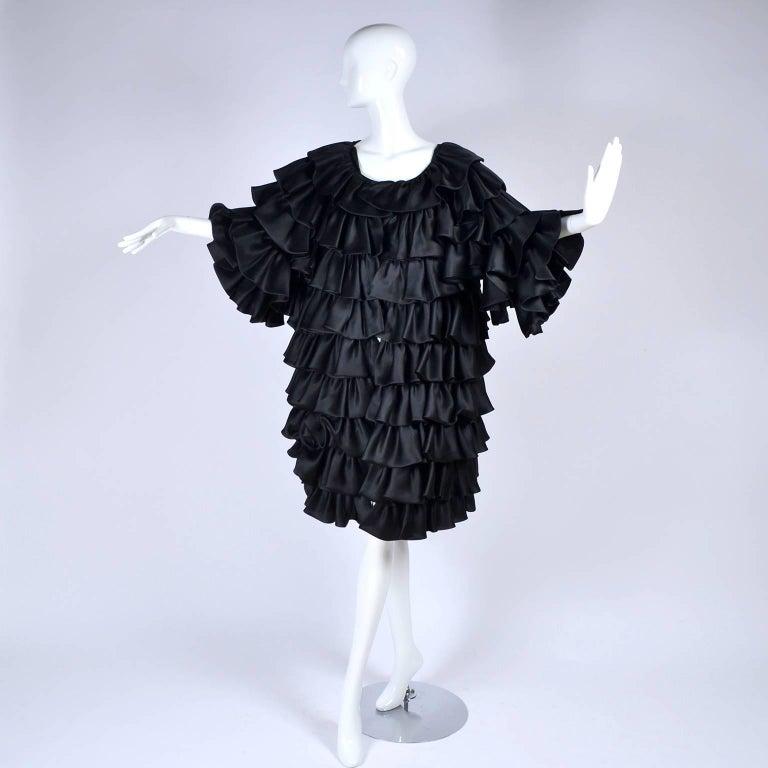 Vintage Oscar de la Renta Silk Evening Coat with Black Ruffles Lined in Organza For Sale 2