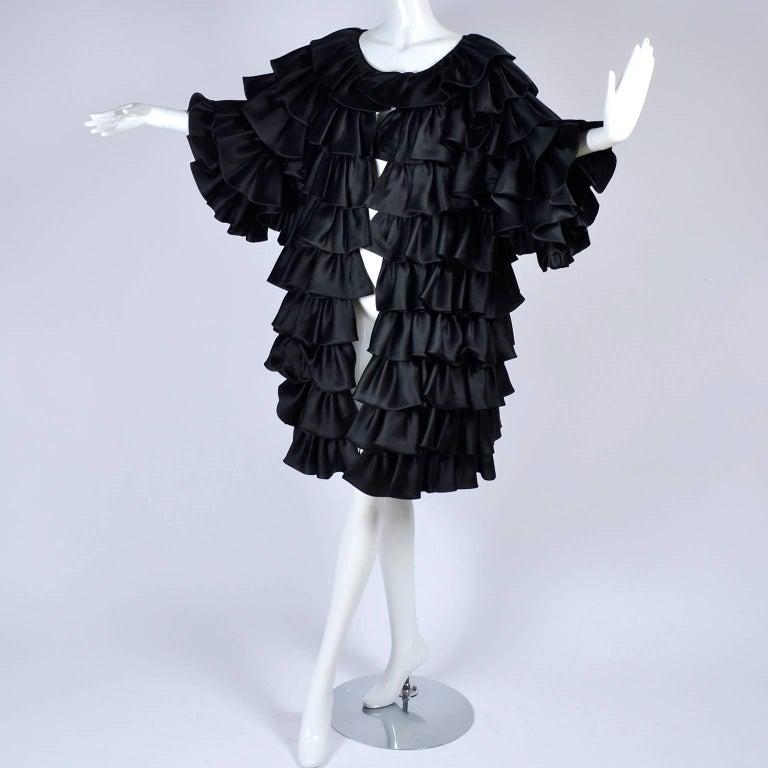 Vintage Oscar de la Renta Silk Evening Coat with Black Ruffles Lined in Organza For Sale 3