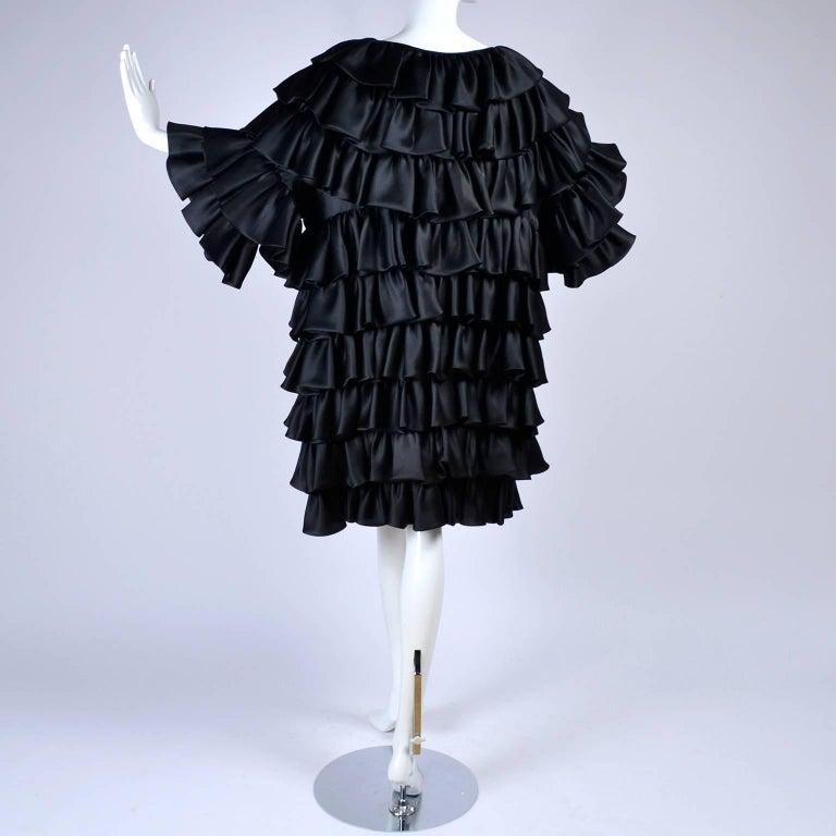 Vintage Oscar de la Renta Silk Evening Coat with Black Ruffles Lined in Organza For Sale 4