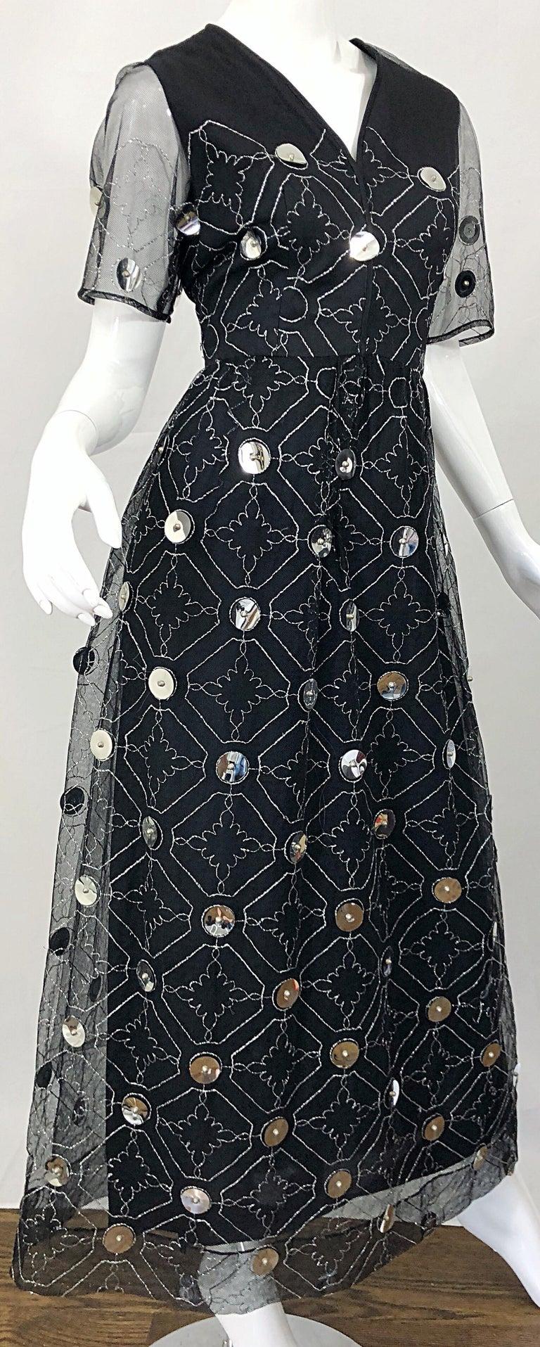 Vintage Oscar de la Renta Sz 10 1970s Black Tulle + Silver Pailletes 70s Gown For Sale 6
