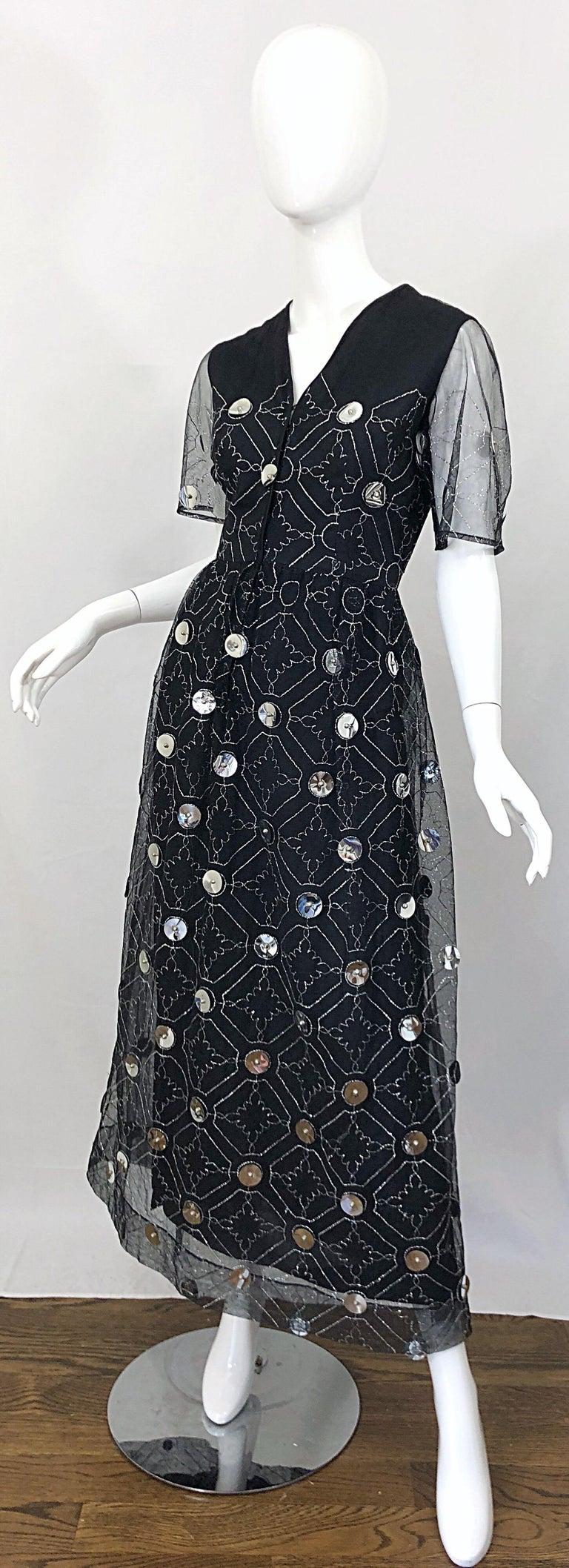 Vintage Oscar de la Renta Sz 10 1970s Black Tulle + Silver Pailletes 70s Gown For Sale 8