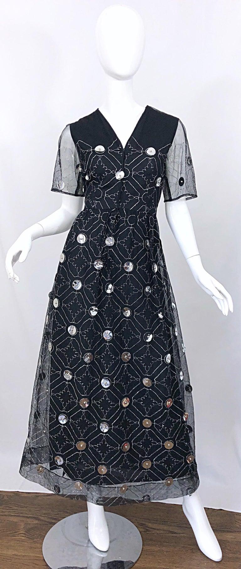 Vintage Oscar de la Renta Sz 10 1970s Black Tulle + Silver Pailletes 70s Gown For Sale 9