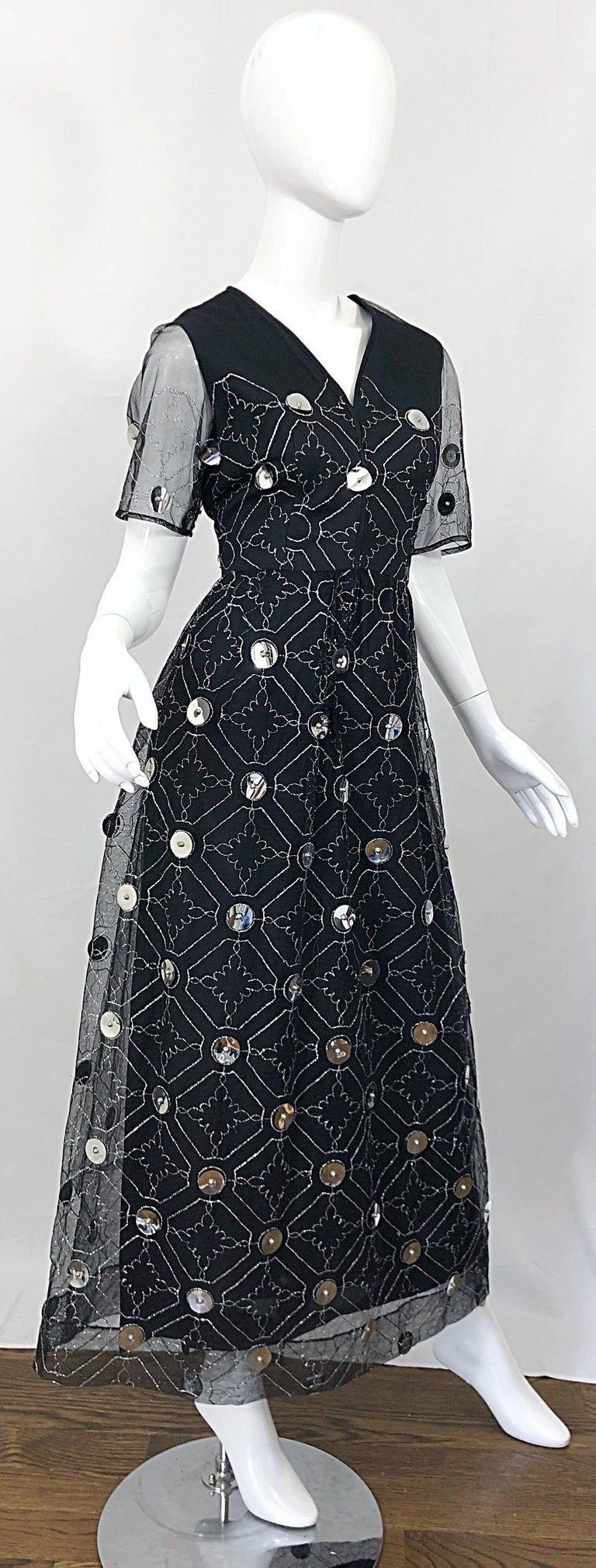 Vintage Oscar de la Renta Sz 10 1970s Black Tulle + Silver Pailletes 70s Gown For Sale 11