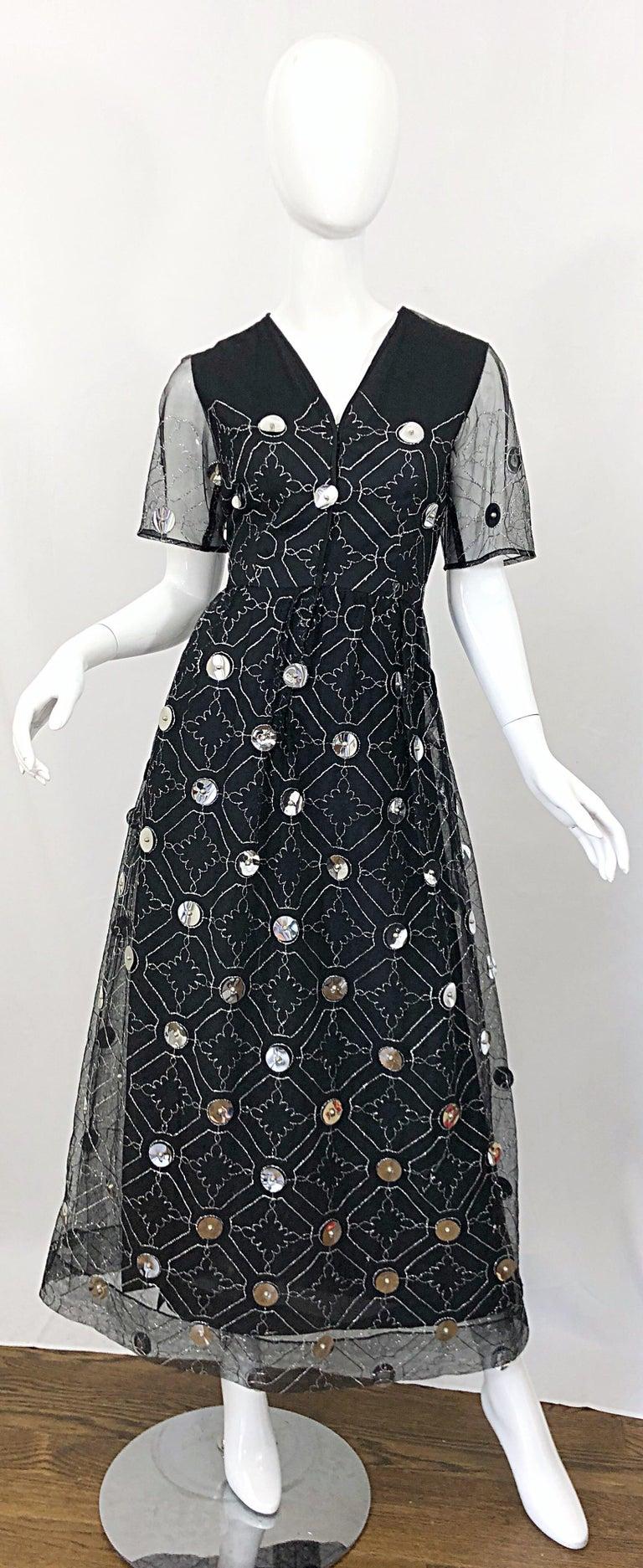 Vintage Oscar de la Renta Sz 10 1970s Black Tulle + Silver Pailletes 70s Gown For Sale 12