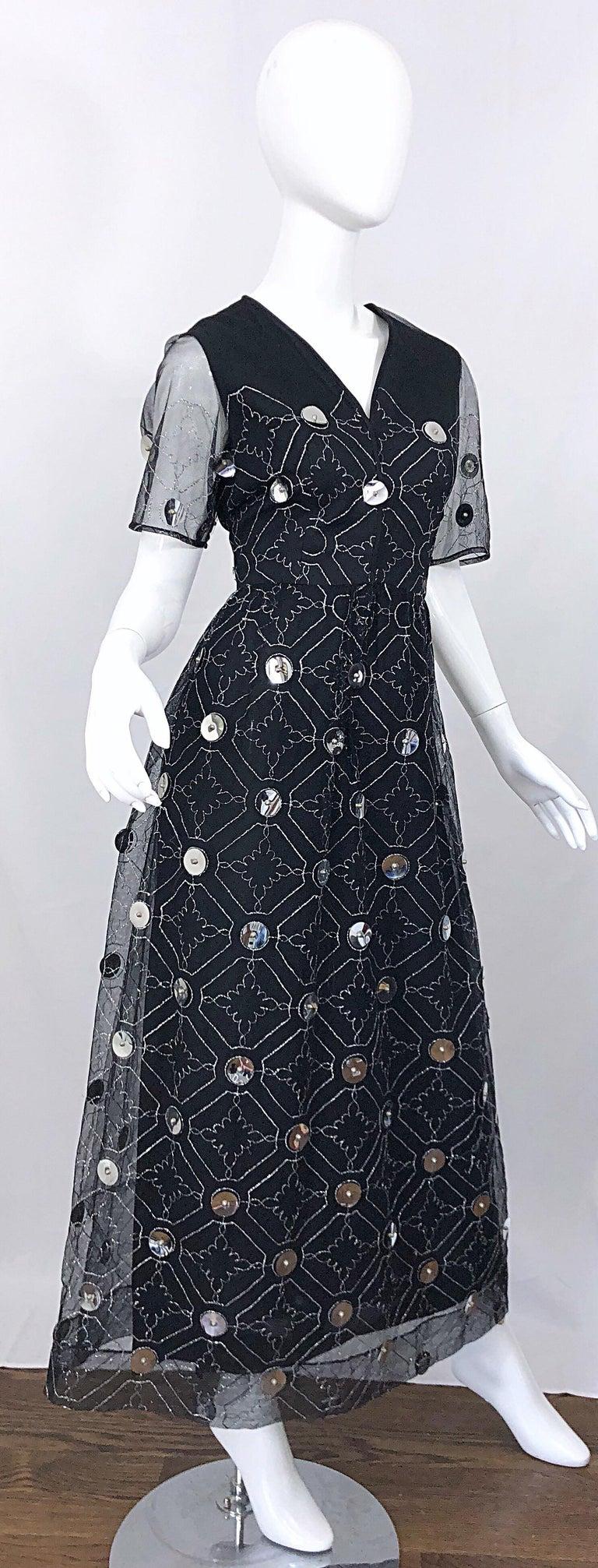 Vintage Oscar de la Renta Sz 10 1970s Black Tulle + Silver Pailletes 70s Gown For Sale 2