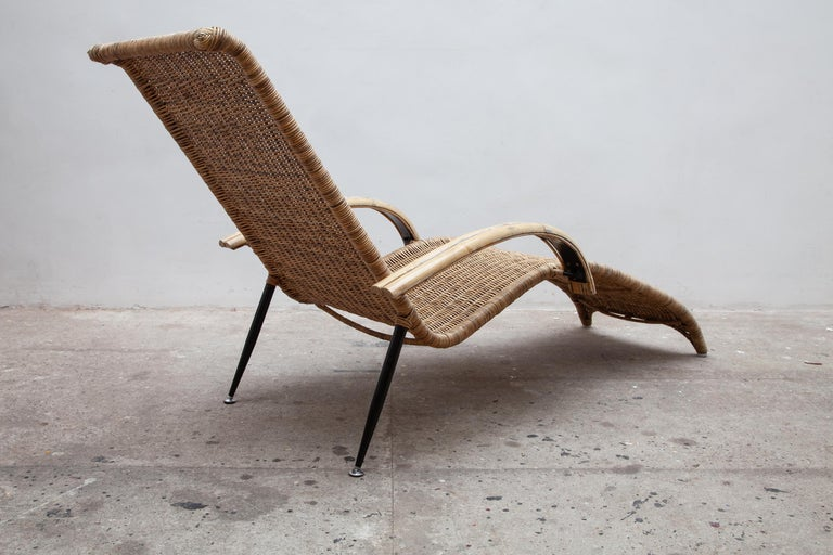 Vintage Outdoor Patio Wicker Lounge Chair 1980s For Sale