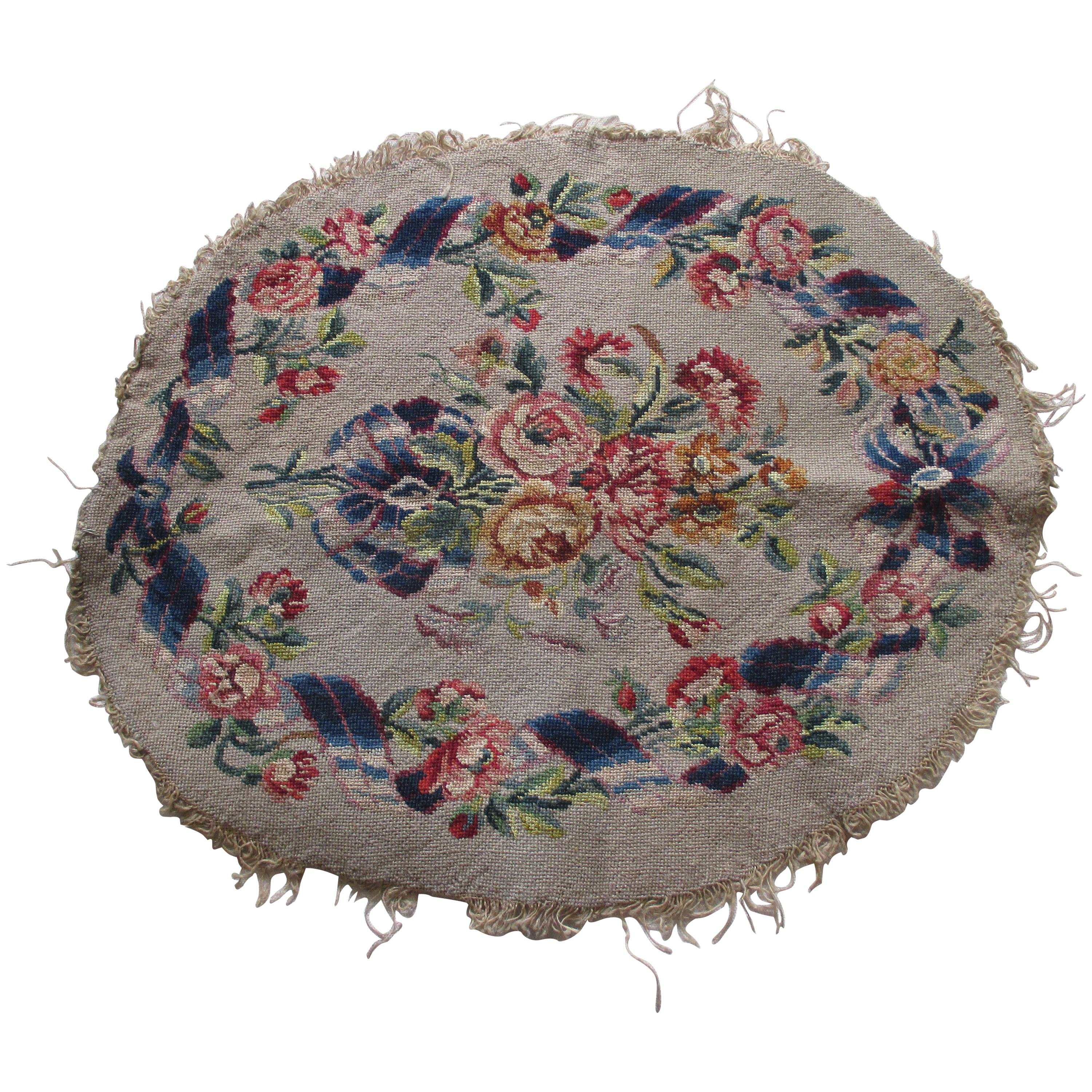 Vintage Oval Tapestry with Garlands and Flowers Design