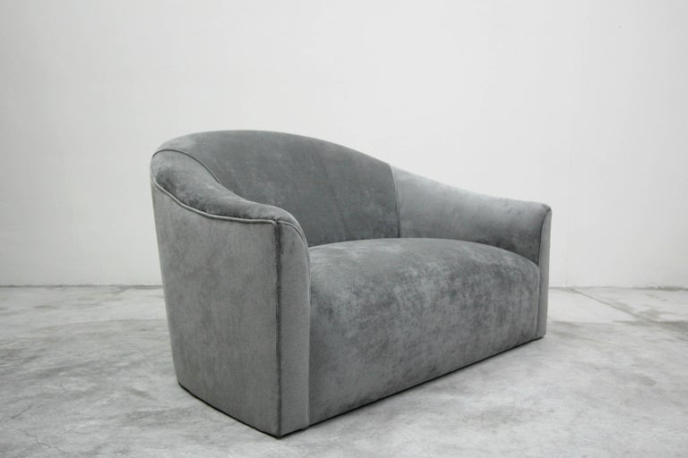 Vintage Oversized Italian Lounge Chair Loveseat Sofa In Excellent Condition For Sale In Las Vegas, NV
