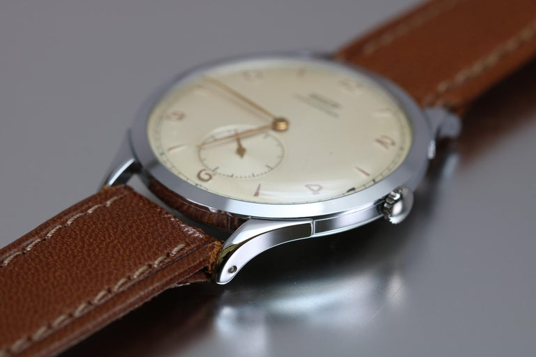 Vintage Oversized Stainless Steel Tissot Antimag Ref 6721-4 Wristwatch, 1950 For Sale 1