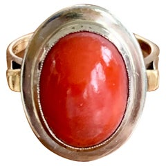 Vintage Oxblood Coral Cabochon 14 Karat Yellow and White Gold Ring