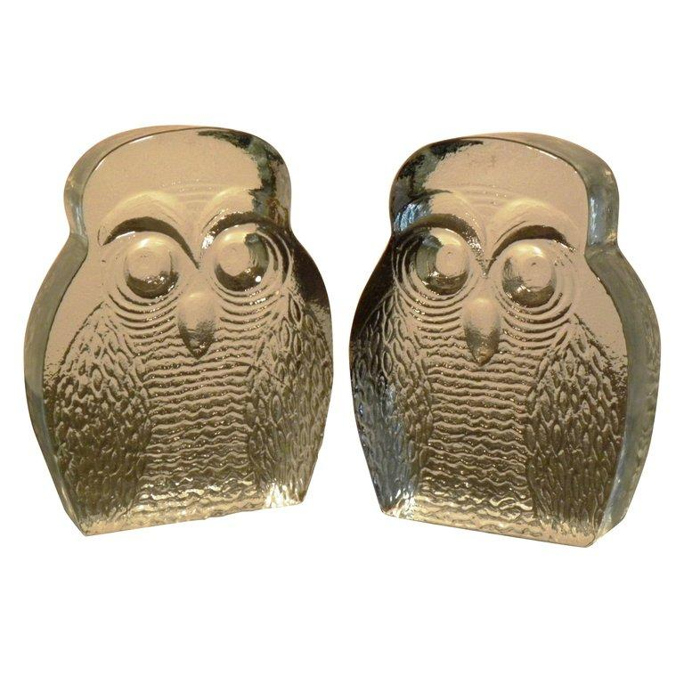 American Vintage Pair of Blenko Owl Form Bookends For Sale