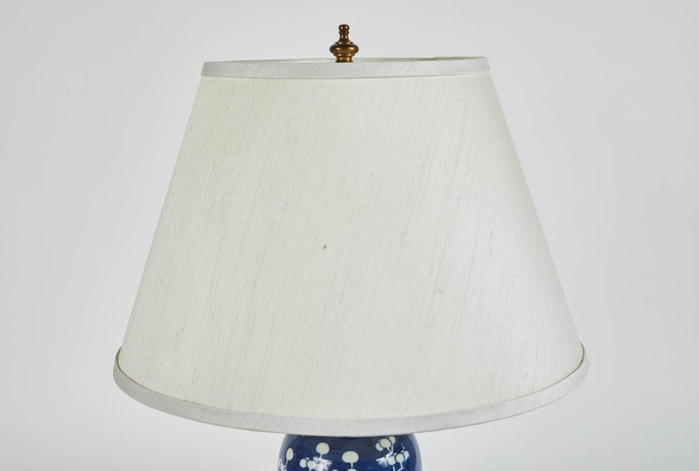 Vintage Pair of Blue and White Cherry Blossom Lamps In Good Condition For Sale In South Pasadena, CA