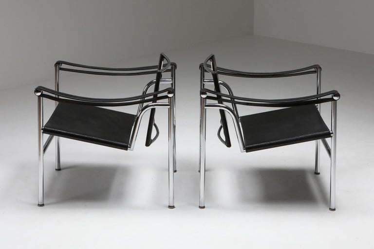 Vintage Pair of LC2 Le Corbusier, Pierre Jeanneret, Charlotte Perriand In Good Condition In Antwerp, BE
