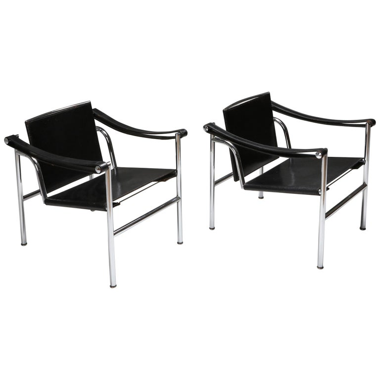 Vintage Pair of LC2 Le Corbusier, Pierre Jeanneret, Charlotte Perriand
