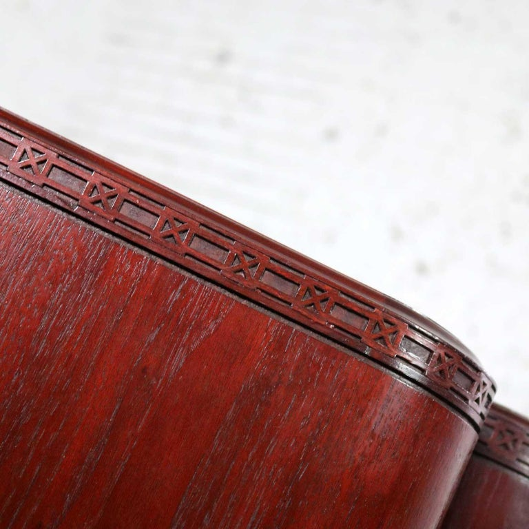 Vintage Pair of Mahogany Triangular End Tables or Pedestals For Sale 4