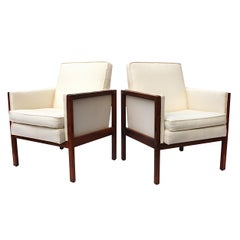 Vintage Pair of Mid-Century Modern Walnut Side Lounge Club Chairs by Jens Risom